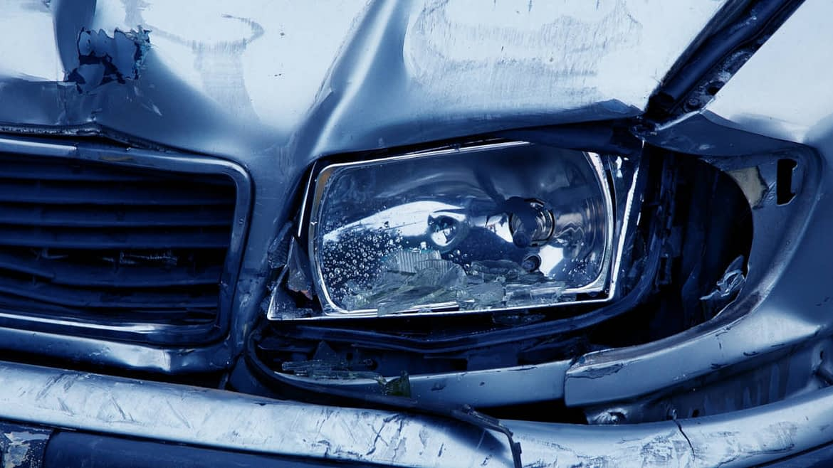 Should I Get Chiropractic Care or Physical Therapy for a Car Accident Injury?